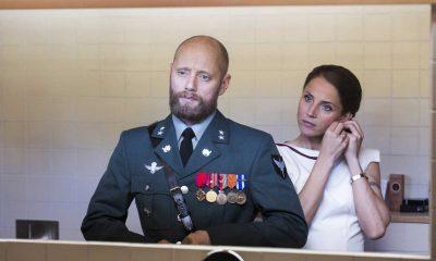 Aksel Hennie spiller erfaren, smart og følsom løytnant med sterke opplevelser fra Afghanistan. Han er gift med Johanne (Tuva Novotny), sekretariatsleder i Utenriksdepartementet. Foto: Eirik Evjen/Monster Scripted