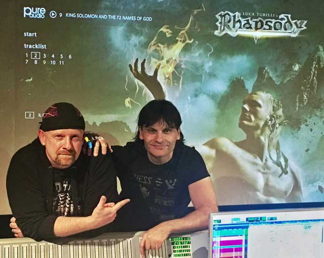 Produsent Chris Heil (tv.) og Luca Turilli i studio. Foto: http://ltrhapsody.com/