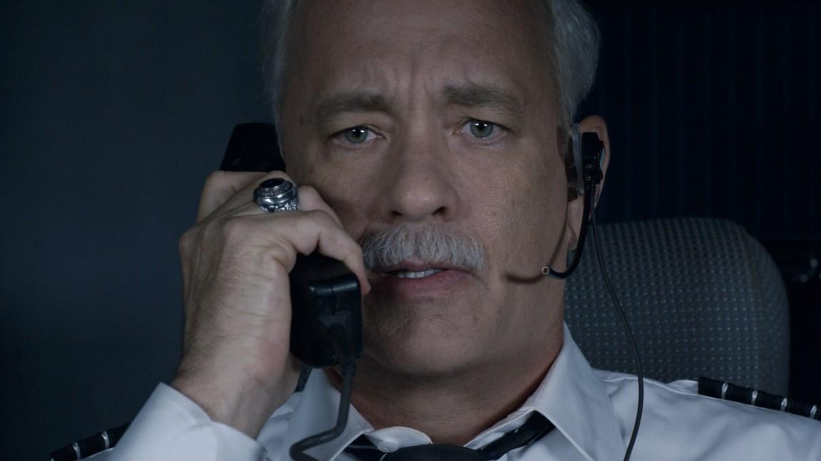 Tom Hanks gjør en fantastisk rolletolkning av kaptein Sully. FOTO: Warner Brothers.